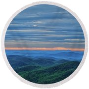 Sunrise On The Parkway Round Beach Towel