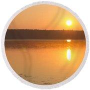 Sunrise On The Rocks Of Branch Lake - Maine Round Beach Towel