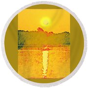 Sunrise On Town Lake Round Beach Towel