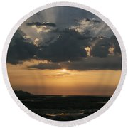 Sunrise Over The Isle Of Wight Round Beach Towel