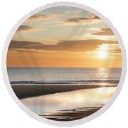 Sunrise Reflections At Aberdeen Beach Round Beach Towel