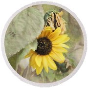 Last Sunflower Round Beach Towel