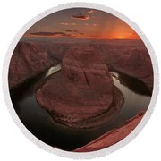 Sunset At Horseshoe Bend Round Beach Towel
