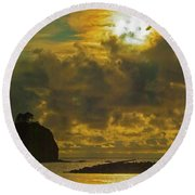 Sunset At Jones Island Round Beach Towel