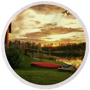 Sunset At Lakeside Lodge Round Beach Towel
