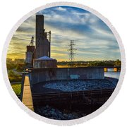 Sunset At The Flood Wall Round Beach Towel