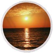 Sunset In Bimini Round Beach Towel
