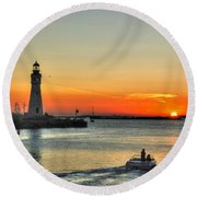 Sunset On Lake Erie Round Beach Towel