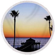 Sunset On Manhattan Beach Pier Round Beach Towel