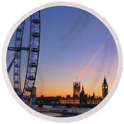 Sunset On River Thames Round Beach Towel