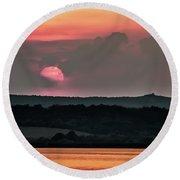 Sunset On The Lake Velence Paint Round Beach Towel