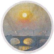 Sunset Over Waterloo Bridge, 1916 Round Beach Towel