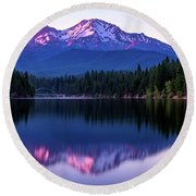 Sunset Reflection On Lake Siskiyou Of Mount Shasta Round Beach Towel