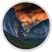 Sunset Skies Over Yosemite Valley Round Beach Towel