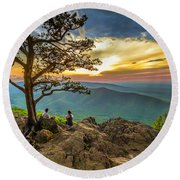 Sunset View At Ravens Roost Round Beach Towel
