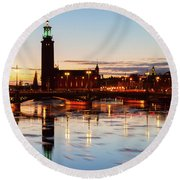Sunset With Cityhall Of Stockholm Round Beach Towel