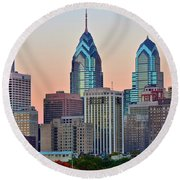 Sunsets Glow In Philly Round Beach Towel
