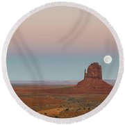 Super Moon In Monument Valley Round Beach Towel