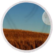 Super Moon Over The Prairie Round Beach Towel