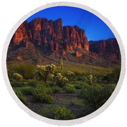 Superstition Mountain Sunset Round Beach Towel