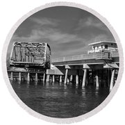 Surf City Bridge - Black And White Round Beach Towel