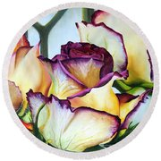 Sweetheart Roses Round Beach Towel