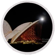Round Beach Towel featuring the photograph Sydney Opera House Close View By Kaye Menner by Kaye Menner