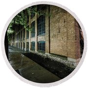 Round Beach Towel featuring the photograph Syracuse Sidewalks by Everet Regal