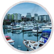 Tacoma Waterfront Marina,washington Round Beach Towel
