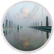 Taj Mahal At Sunrise 01 Round Beach Towel