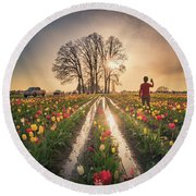Round Beach Towel featuring the photograph Taking Sunset Pictures Using A Mobile Phone by William Lee