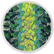 Tall Drink Nineteen Round Beach Towel