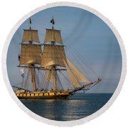 Tall Ship U.s. Brig Niagara Round Beach Towel