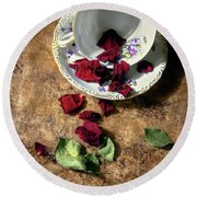 Teacup And Red Rose Petals Round Beach Towel