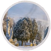 Ten Stations Of The Cross Christmas Morning Round Beach Towel