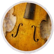 Textured Violin Round Beach Towel