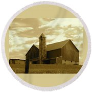 The Amish Silo Barn Round Beach Towel