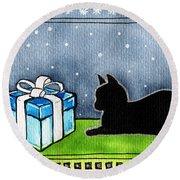 The Box Is Mine - Christmas Cat Round Beach Towel