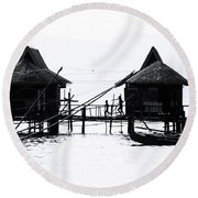 Round Beach Towel featuring the photograph The Cottage Dash by Jez C Self
