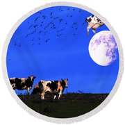 The Cow Jumped Over The Moon Round Beach Towel