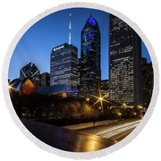 The East Side Skyline Of Chicago  Round Beach Towel