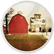 Round Beach Towel featuring the photograph The Favorite by Julie Hamilton