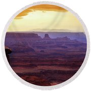 The Gold Light Of Dawn Round Beach Towel