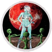 The Green Queen Is Blue Round Beach Towel