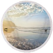 The Hunt Round Beach Towel