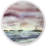 The Kiss Of The Night Round Beach Towel