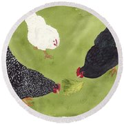 The Ladies Love Salad Three Hens With Lettuce Round Beach Towel