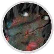 The Maiden And The Crow Round Beach Towel