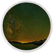 The Milky Way And Mt. Rainier Round Beach Towel
