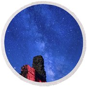 The Milky Way Over The Crest House Round Beach Towel